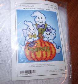 Cute SPOOKY GHOSTS Ghost Family Plastic Canvas Kit  Design W